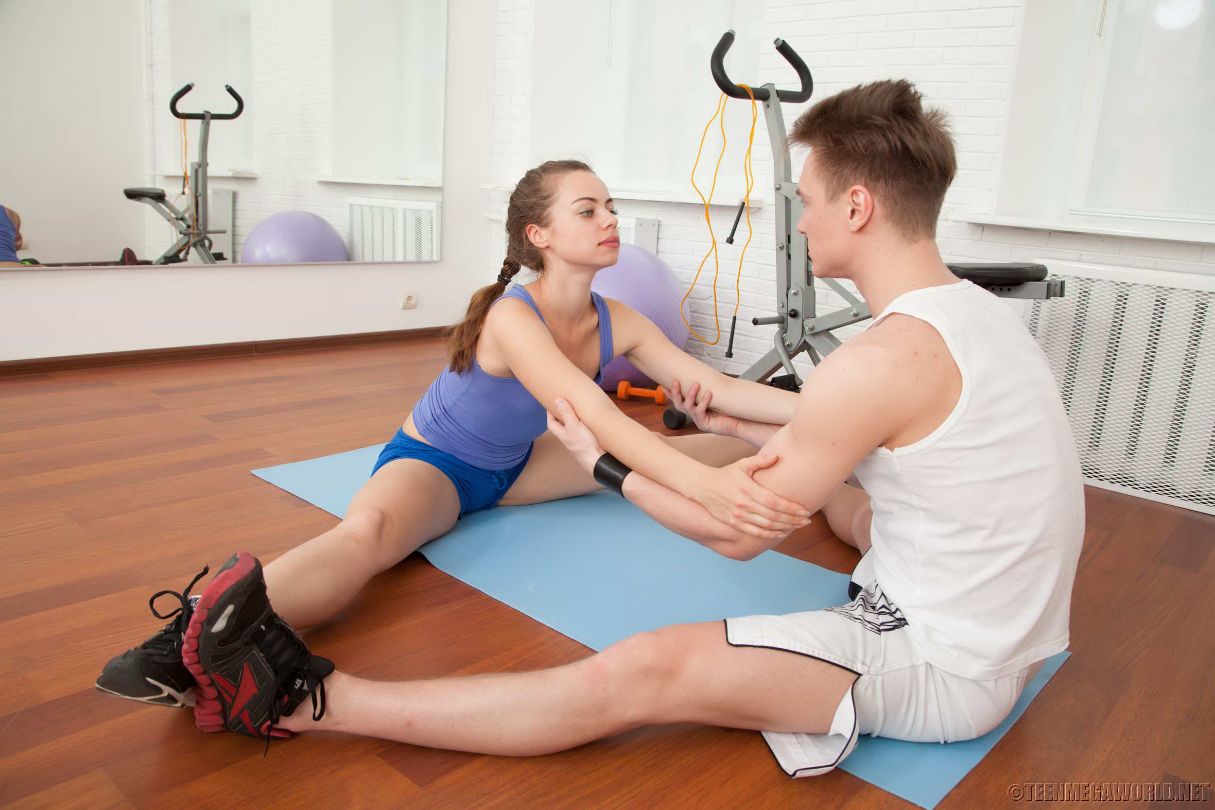 amazing teenage cutie seducedher nasty fitness coach